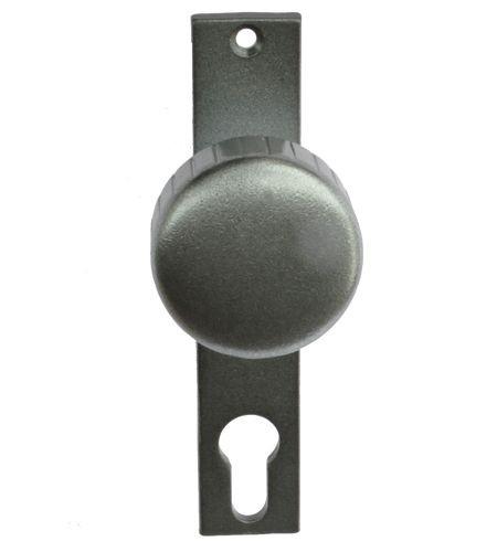 gerader Knopf fest auf Kurzschild, altdeusch